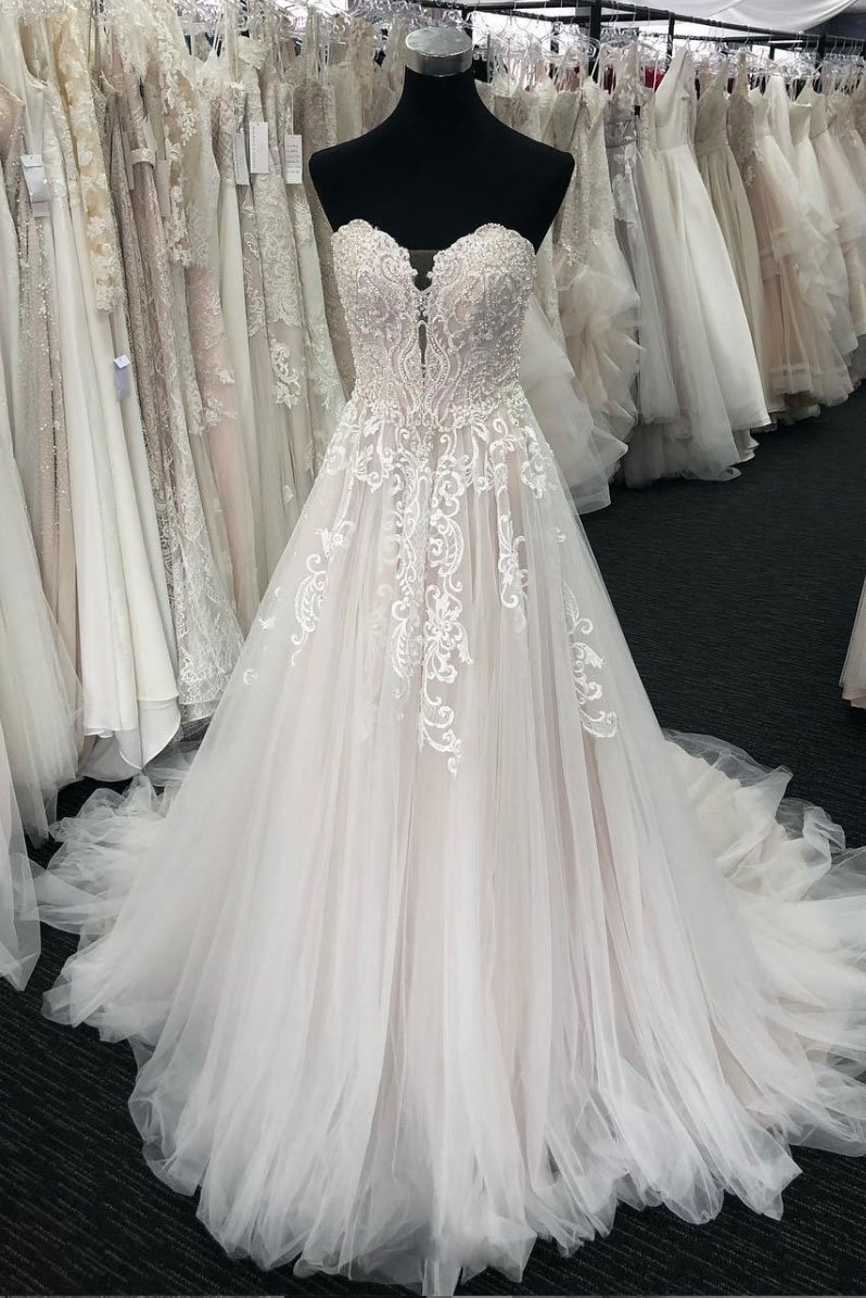 Unique Sweetheart White Lace Wedding Dress,strapless Tulle Long Prom Dress