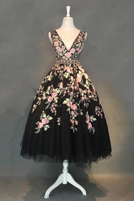 A-line V-neck Floral Tea Length Black Tulle Prom Dresses With Beading